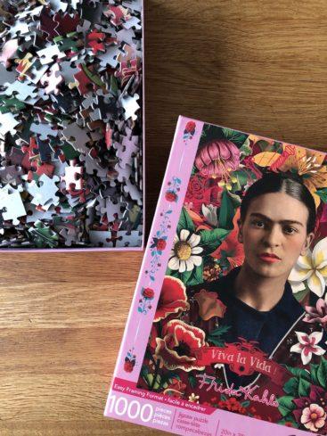 Puslespil-med-Frida-Kahlo-1000-brikker