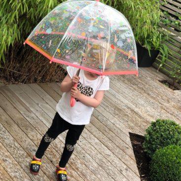 pige-med-paraply