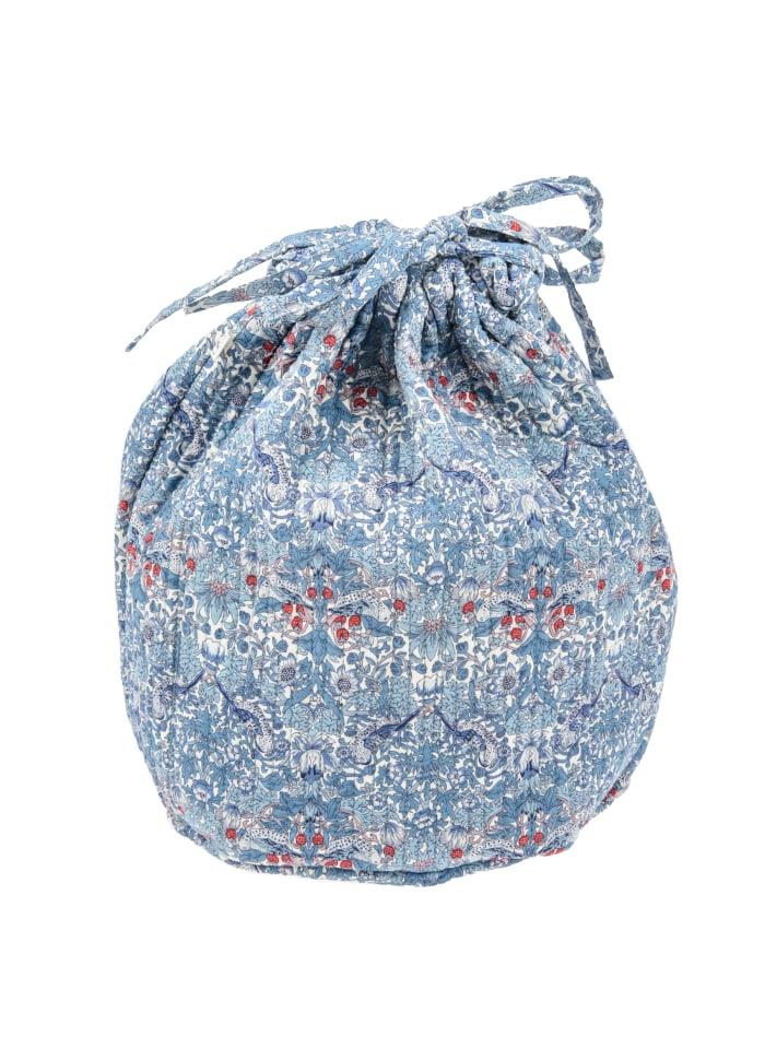 7660-pouch-round-strawberry-thief-blue