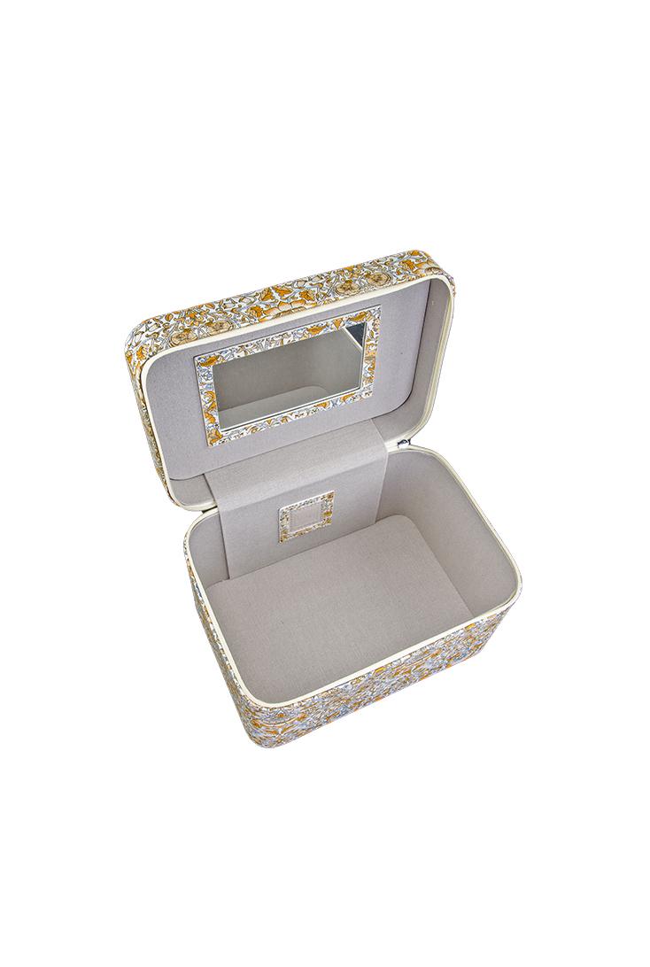 7784-beautybox-golden